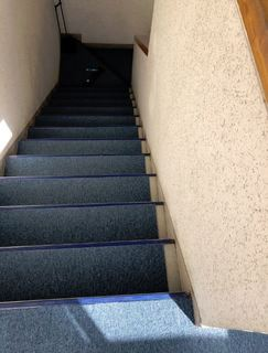 階段(張る前).JPG